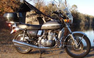 1975 SUZUKI GT3750